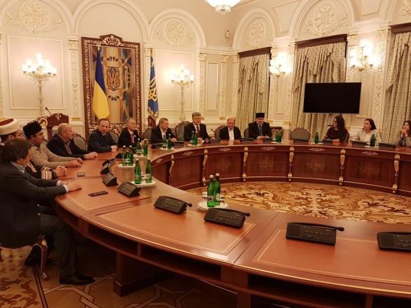 Порошенко: Україна звільнить окупований Донбас танезаконно анексований Крим