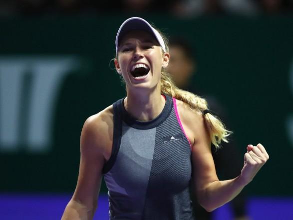 Підсумковий турнір WTA виграла Возняцкі