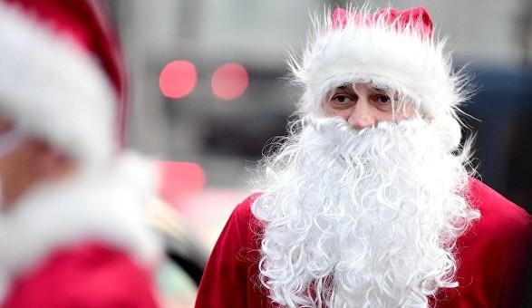 Чоловік вкостюмі Санта-Клауса відкрив вогонь навечірці вСША
