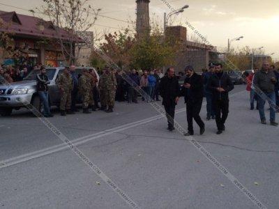У Вірменії озброєний чоловік захопив заручників удитячому садочку