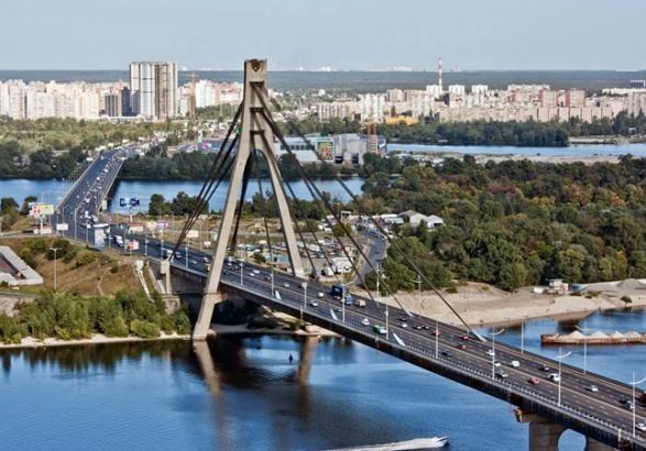 УКиєві частково обмежать рух двома мостами