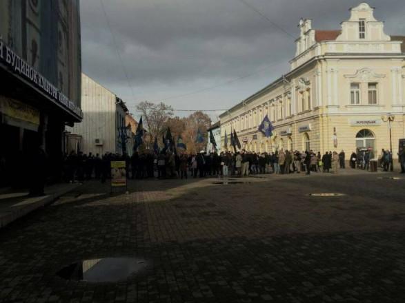 Зняття угорського прапору на Закарпатті: Угорщина вимагає реакції української влади на інцидент у Берегово