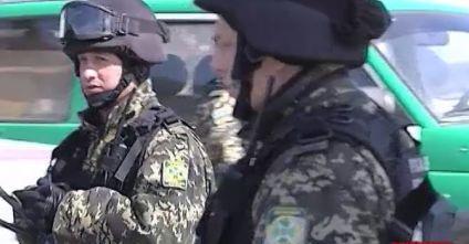ВІДЕО: НаЗакарпатті зброньовиками і вертольотами затримують контрабандистів