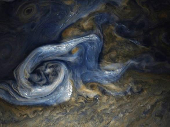NASA показало мощнейший шторм наЮпитере
