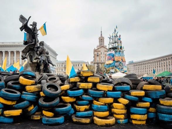 Більшість експертів вважає, що Майдан переміг - опитування