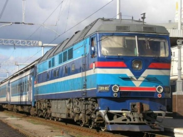 Потяг «Київ-Перемишль» зіткнувся зекскаватором вПольщі