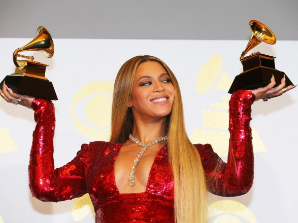 УForbes визначили найбагатшу співачку року
