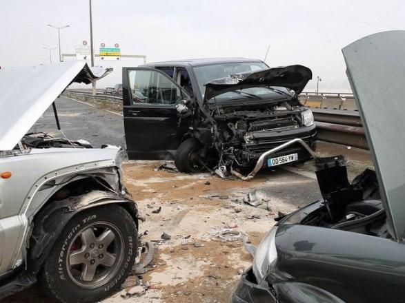 5 человек пострадали в итоге столкновения 13 машин наюго-западе Франции