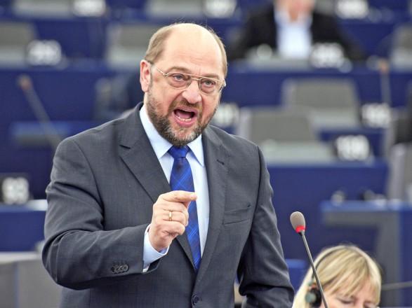 Руководство социал-демократов согласовало переговоры окоалиции спартией Меркель