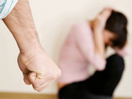 Рада ввела кримінальну відповідальність задомашнє насильство