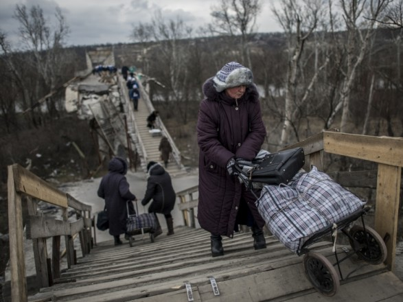 """Через ремонт мосту на два дні закриють КПВВ """"Станиця Луганська"""""""