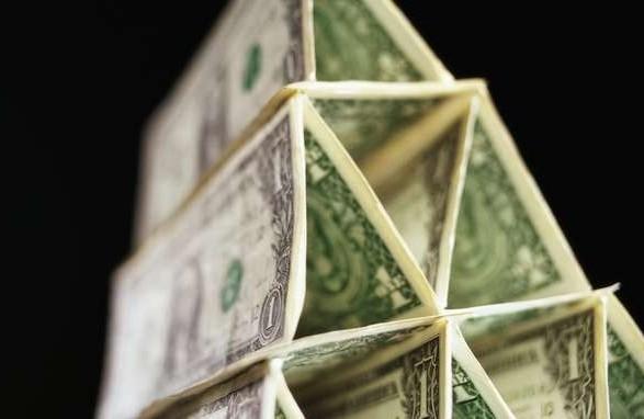 В Винницкой области суд оставлял под стражей мошенника, который обманул на 200 млн грн вкладчиков