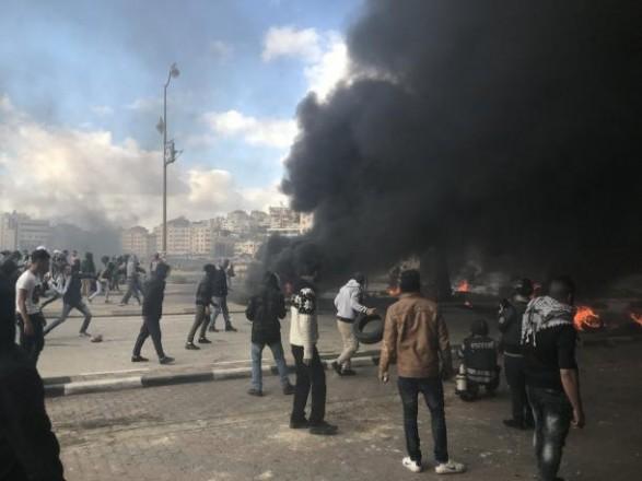 Десятки палестинців постраждали усутичках з ізраїльськими силовиками