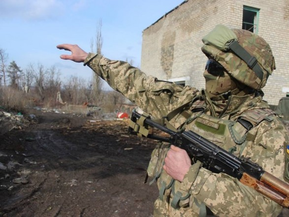 Боевики выпустили около 100 мин возле Луганского— Штаб АТО