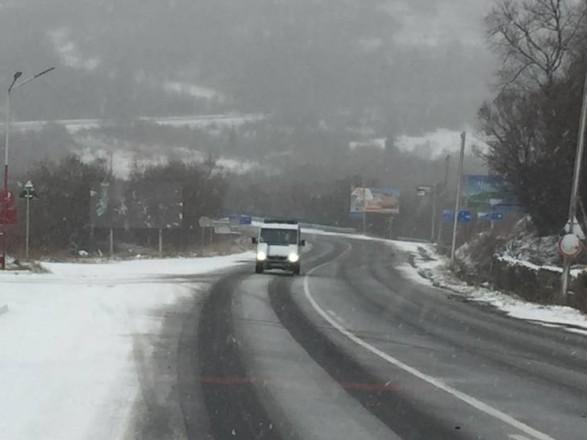 На Закарпатті рух великовагового транспорту по дорозі Київ-Чоп відновлено