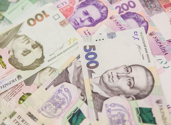 Українці почали позичати у банків більше грошей