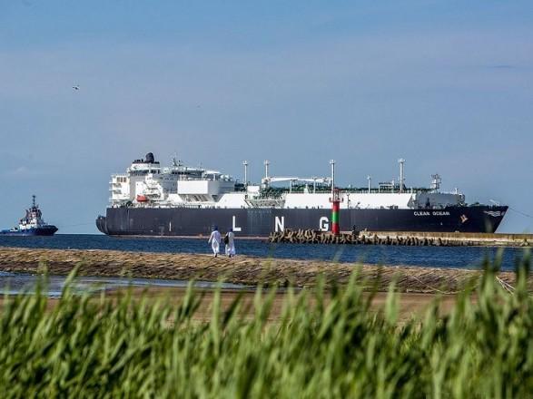 Україна вперше отримала американський скраплений газ через термінал вПольщі