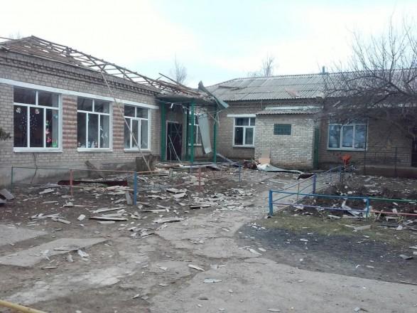 Після обстрілу бойовиками Новолуганського знайшли уламки снарядів із російським маркуванням