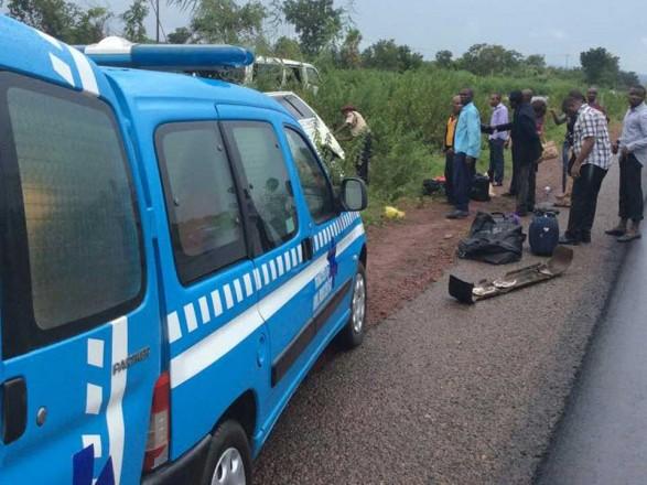 ВНигерии машина изсвадебного кортежа угодила вДТП, погибли 11 человек