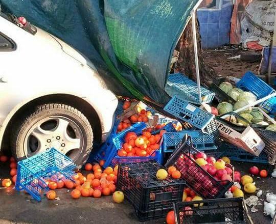 Женщина на«евробляхе» снесла торговую палатку слюдьми вУжгороде