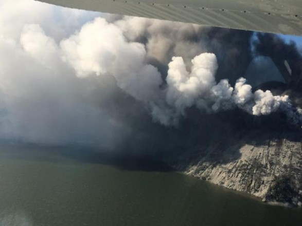 ВПапуа— новоиспеченной Гвинее эвакуировали остров из-за извержения вулкана