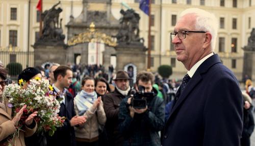 Проросійський кандидат Земан переміг упершому турі виборів президента Чехії