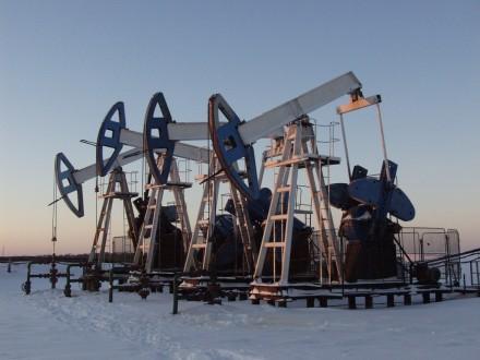 Нефть Brent опустилась до $69,04 забаррель