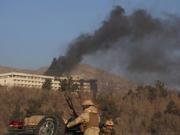 Щонайменше п'ятеро людей загинули внаслідок нападу наготель уКабулі