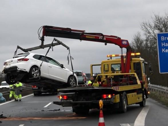 ДТП у Німеччині: зіштовхнулися 17 автомобілів