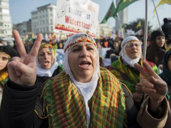 ВКельне полицейские остановили прокурдскую демонстрацию