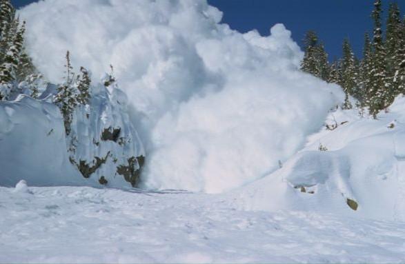 На Закарпатті оголосили штормове попередження через сніголавинну небезпеку