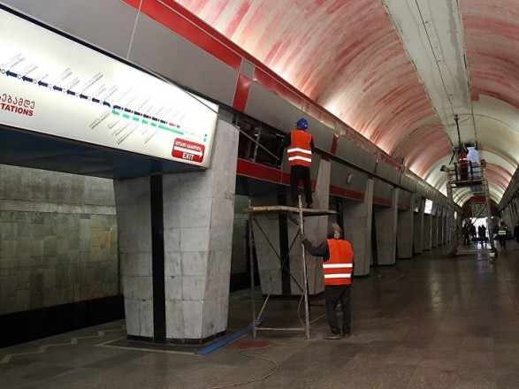 УГрузії настанції тбіліського метро обвалилася стеля, є постраждалі