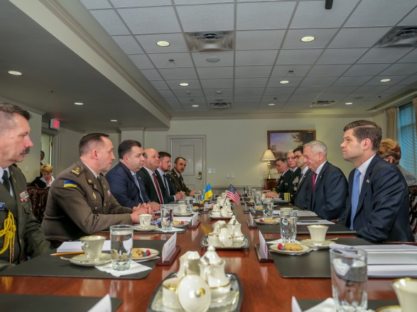 США продовжать тиснути наРосію— Глава Пентагону