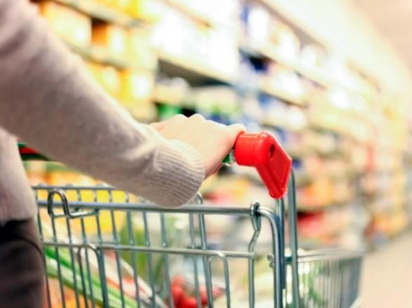 Третина українців віддають перевагу магазинам низьких цін