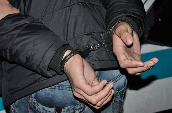 На Київщині чоловік палицею побив поліцейських