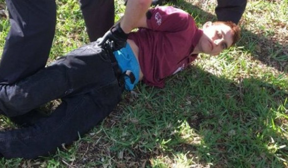 Устроившему стрельбу вшколе воФлориде предъявлены обвинения вубийстве