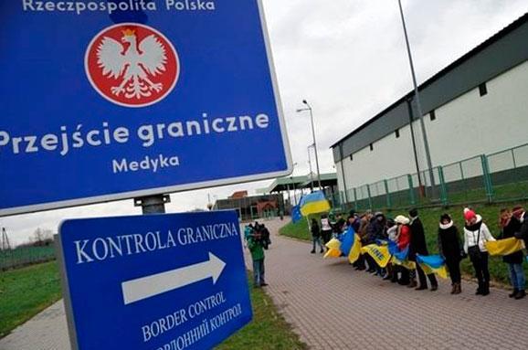 Привабливість польських багатств залишає Україну без робочої сили – Bloomberg