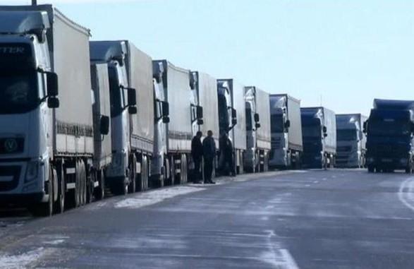 Вантажівкам дозволили в'їзд доКиєва, ввечері обмеження можуть відновити