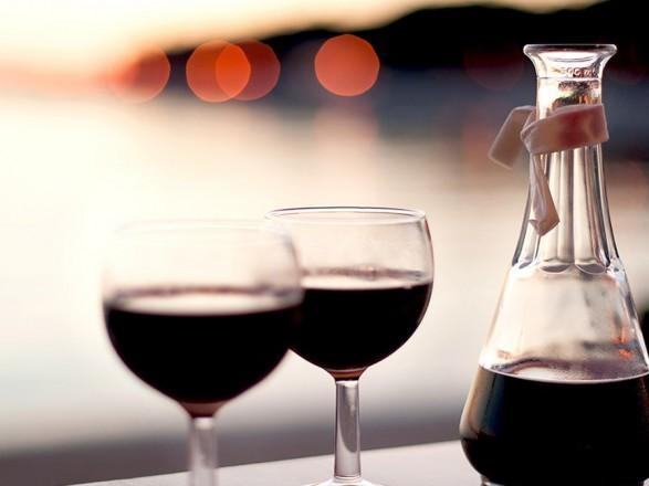 Выпить вино перед сексом