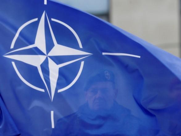 Столтенберг: НАТО відкликає акредитації у7 співробітників постпредставництваРФ