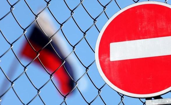 Туск: 14 країн ЄС висилають російських дипломатів