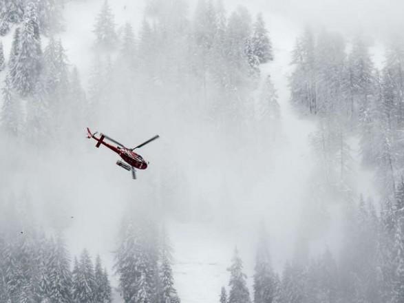 Снігова лавина уШвейцарії забрала життя п'яти лижників