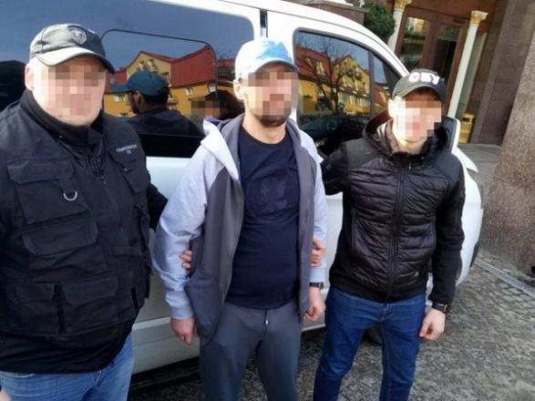 СБУ выдворила изУкраины «вора взаконе» изсухумского клана