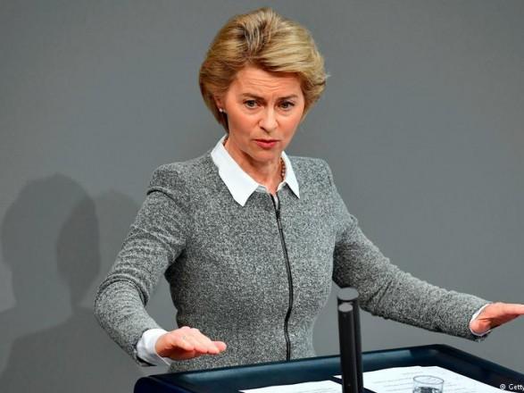 Міністр оборони ФРН закликала дожорсткішого курсу щодо Росії