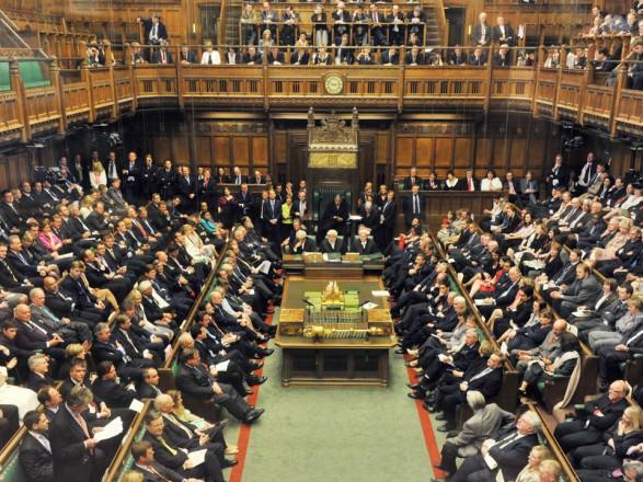 УБританії парламент закликав уряд не відмовлятися від митного союзу з ЄС