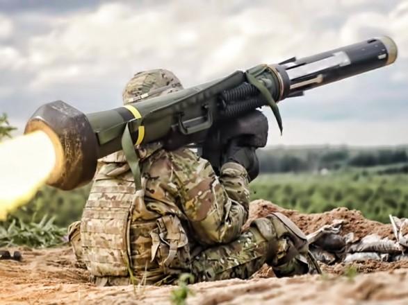 Порошенко підтвердив інформацію про прибуття Javelin до України