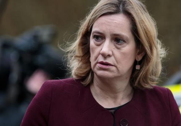 Через скандал з мігрантами міністр Великобританії подала у відставку