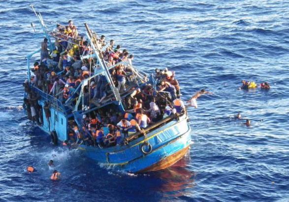Неменее 100 мигрантов спасли близ побережья Ливии вСредиземном море