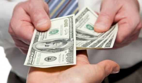 Украинские мигранты вПольше стали абсолютными лидерами по валютным переводам