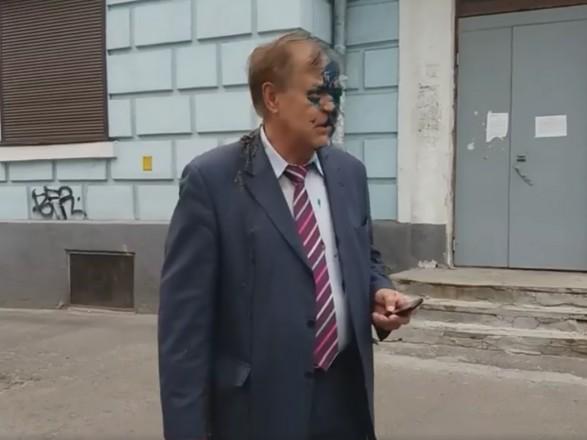 В Києві облили зеленкою і фекаліями керівника Росцентру науки і культури